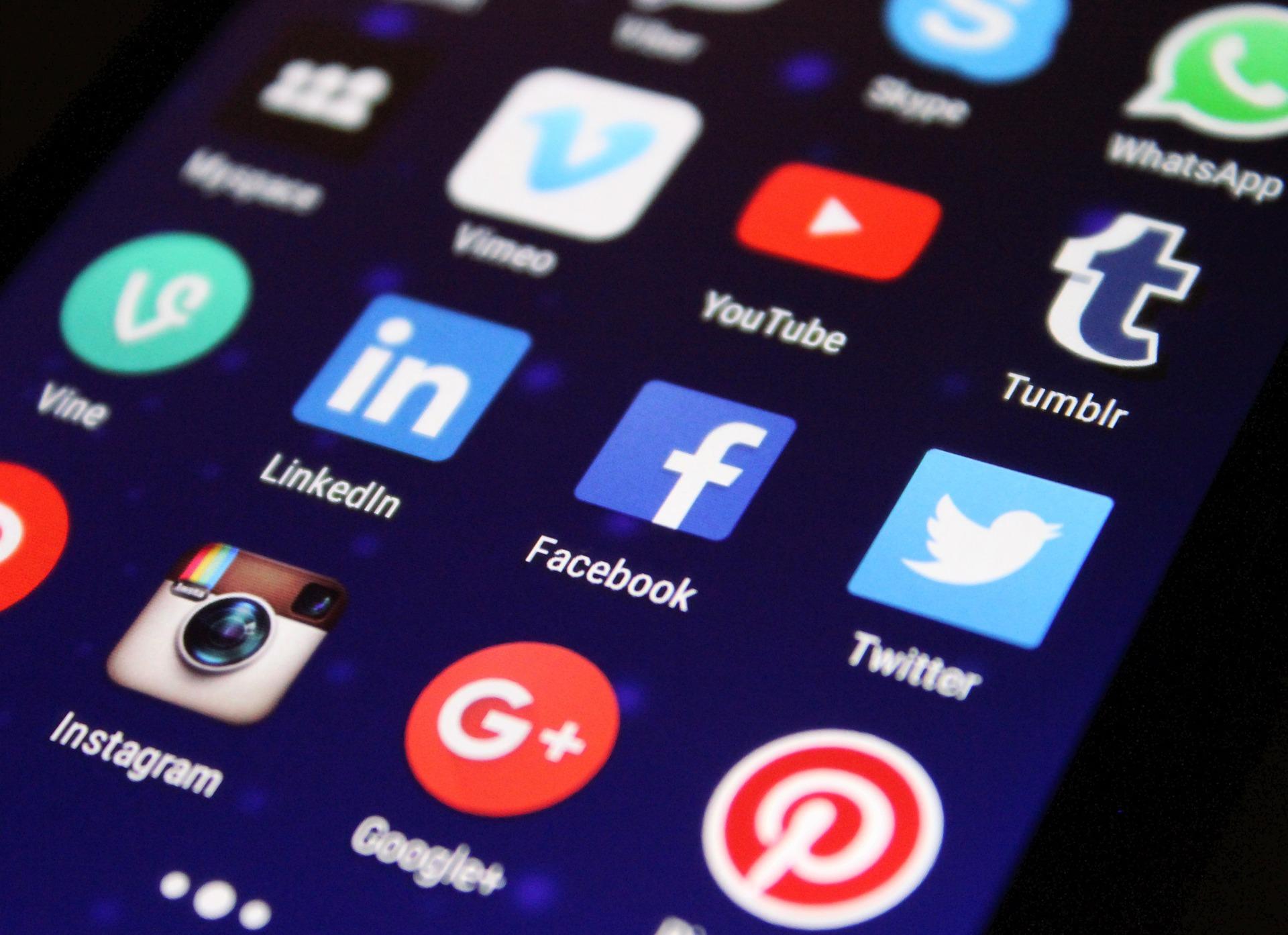 contenidos de calidad para Google compartidos en redes sociales