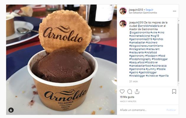 Hashtags y emojis en Instagram: Arnoldo